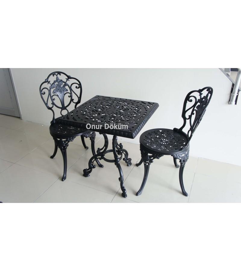 MT-18 Alüminyum döküm 1 adet 62cm*62cm kare masa, 2 Adet Güllü Kolsuz Sandalye Alüminyum döküm