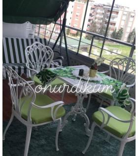 MT-13 Alüminyum döküm 4 adet kollu tavus kuşlu sandalye Alüminyum döküm 1 adet 70cm*70cm kare masa balkon takımı